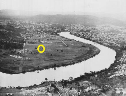 Image of St Lucia site prior to construction of Forgan Smith Building with location of Campus Kindy highlighted. Aerial 1936 UQA S908 p3