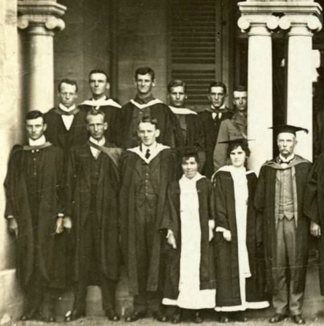 Charles and Walde (back row 3rd and 4th from left) with other UQ graduates of 1916