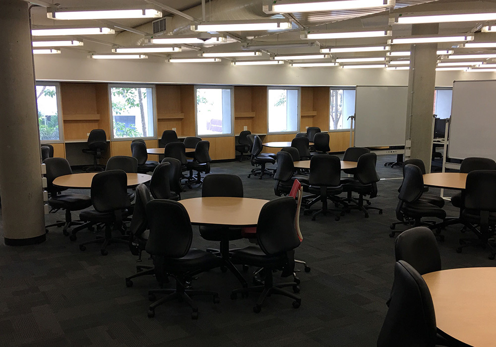 Group study space, level 3, Dorothy Hill Engineering and Sciences Library.